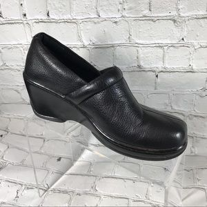 BOC black leather clogs US sz 8 M/w eur size 39